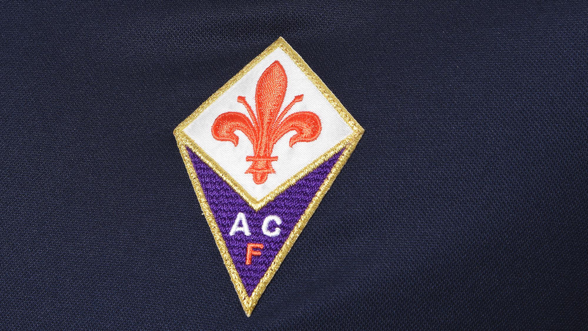 A nova camisa da Fiorentina é simplesmente apaixonante  cb3f55b5ddb2c