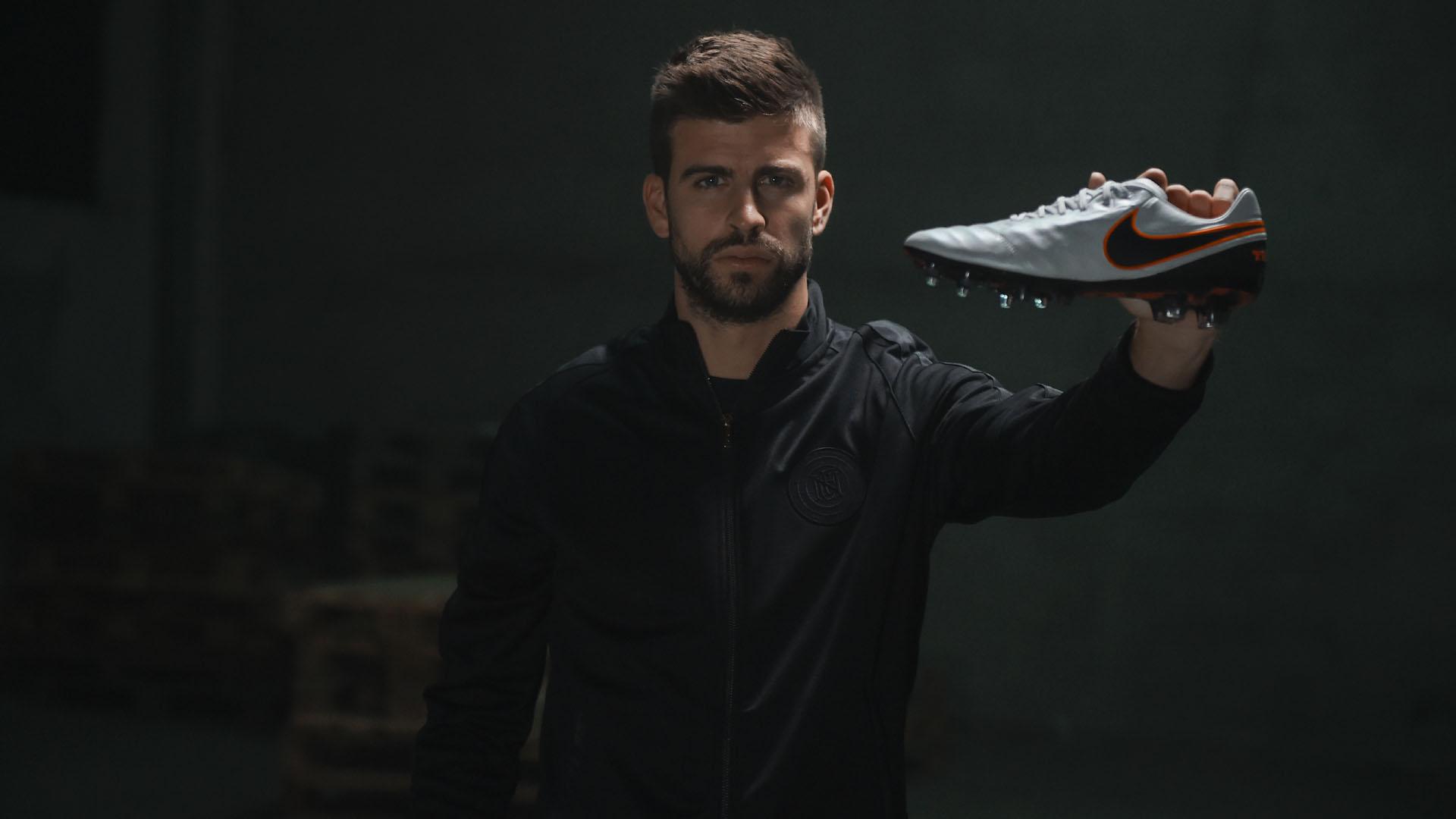 Conheça a chuteira que ajudou a transformar a Nike em uma gigante do ... 6d3f7bcf47ea6