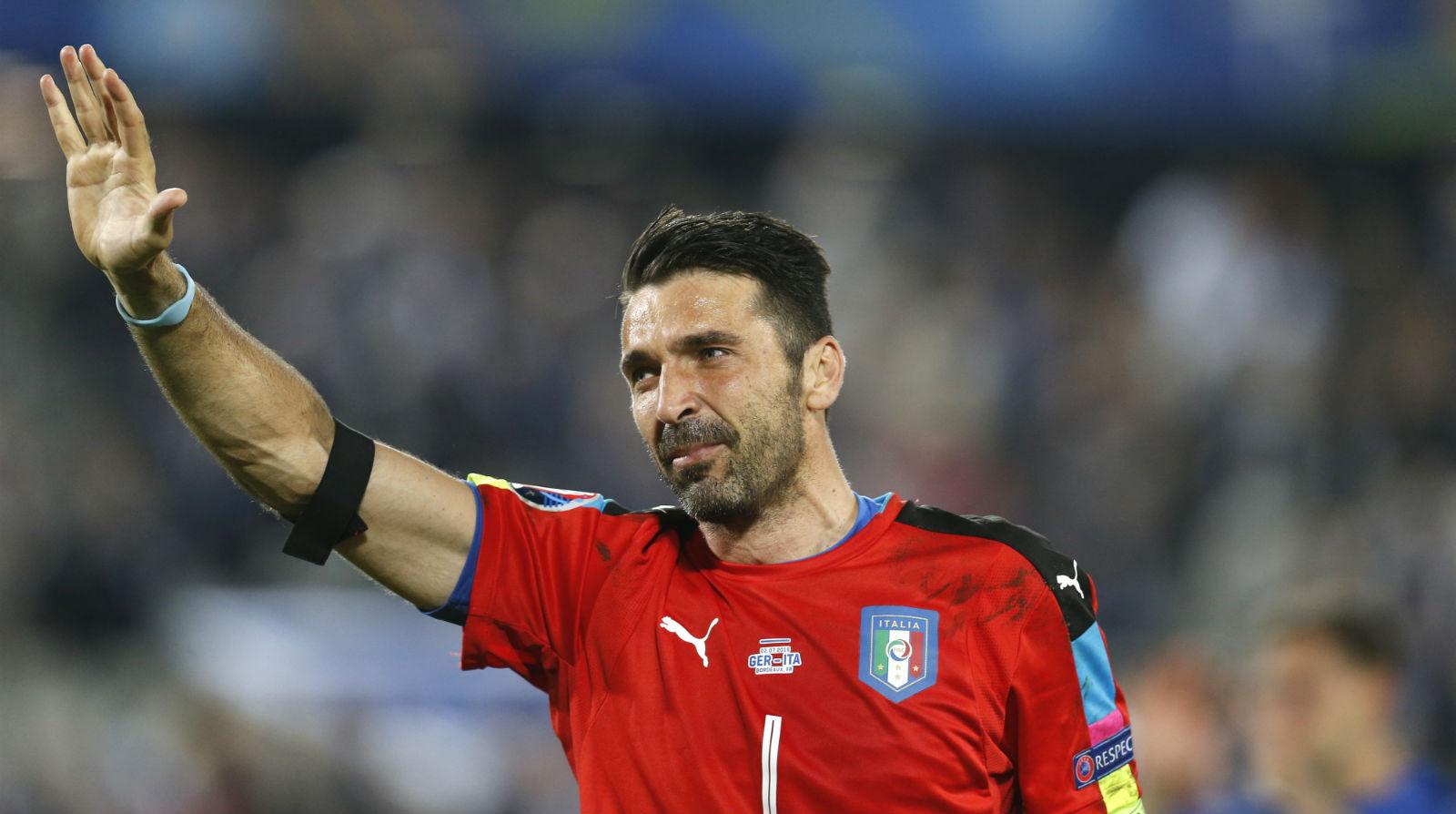 Buffon encerra a sua história na Euro sem a taça, mas com sua participação mais marcante