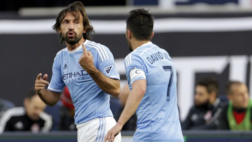 Pirlo deu um daqueles passes que nós adoramos para o gol de David Villa c1e13abab190b
