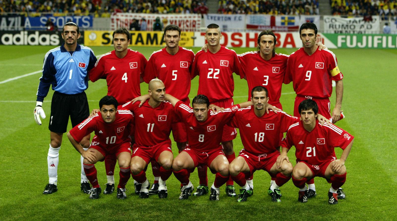 Quem eram os 23 jogadores da histórica Turquia de 2002 e o que foi deles  depois da Copa  811998383a38a