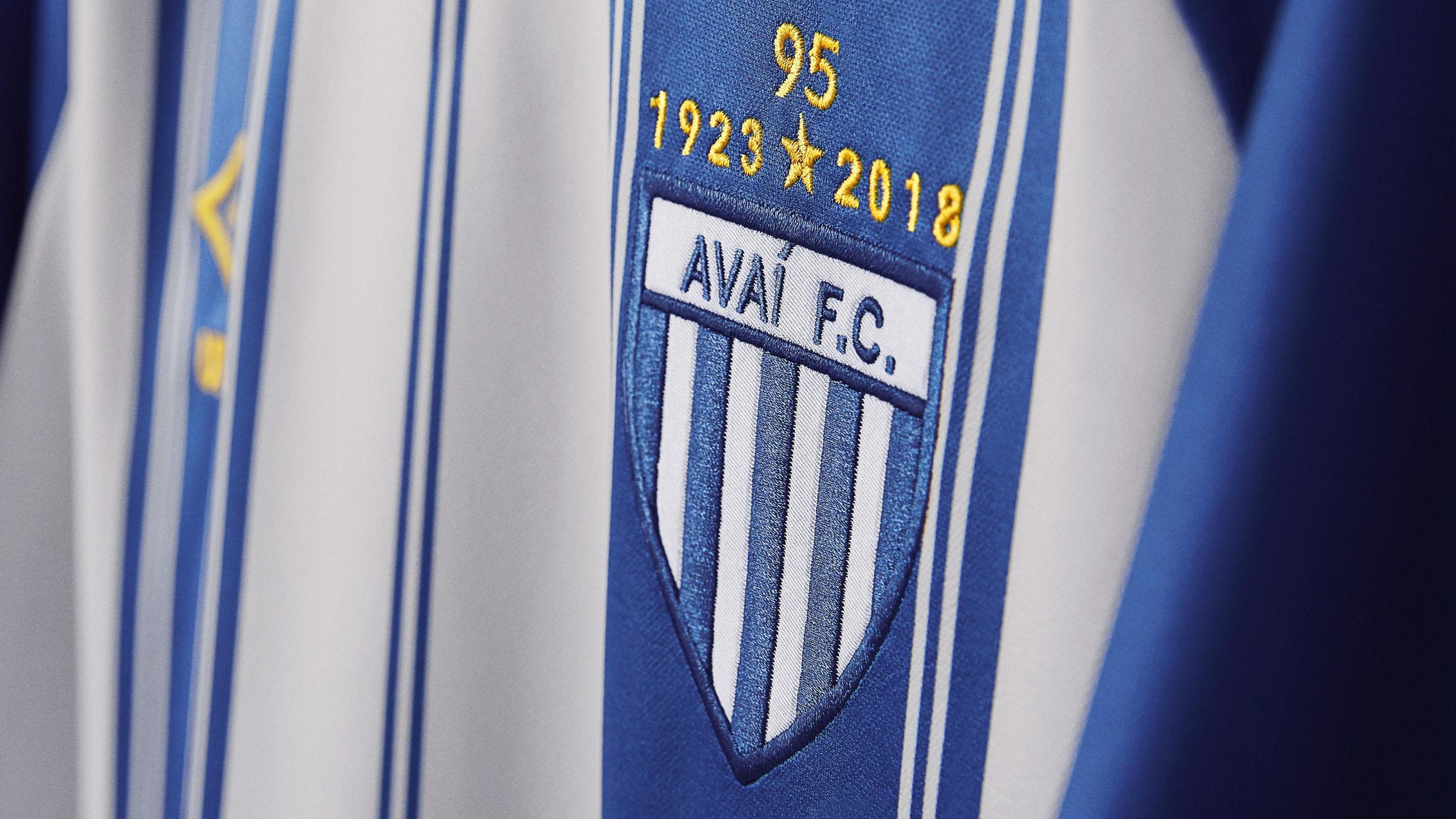 Avaí comemora seus 95 anos em nova primeira camisa 608eebc370318