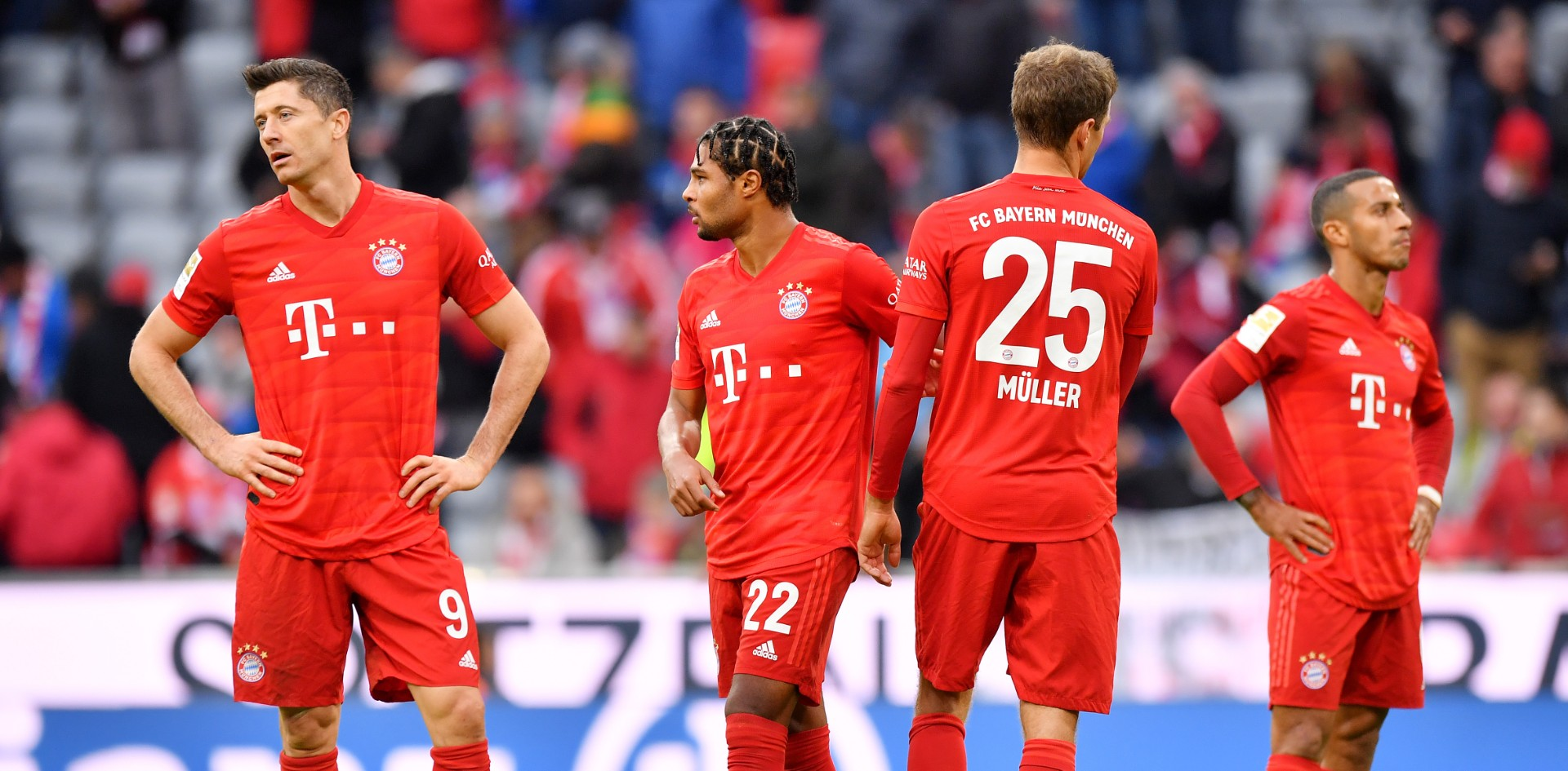 Dentro da Allianz Arena, o Hoffenheim venceu e obrigou o Bayern a pôr os pés no chão