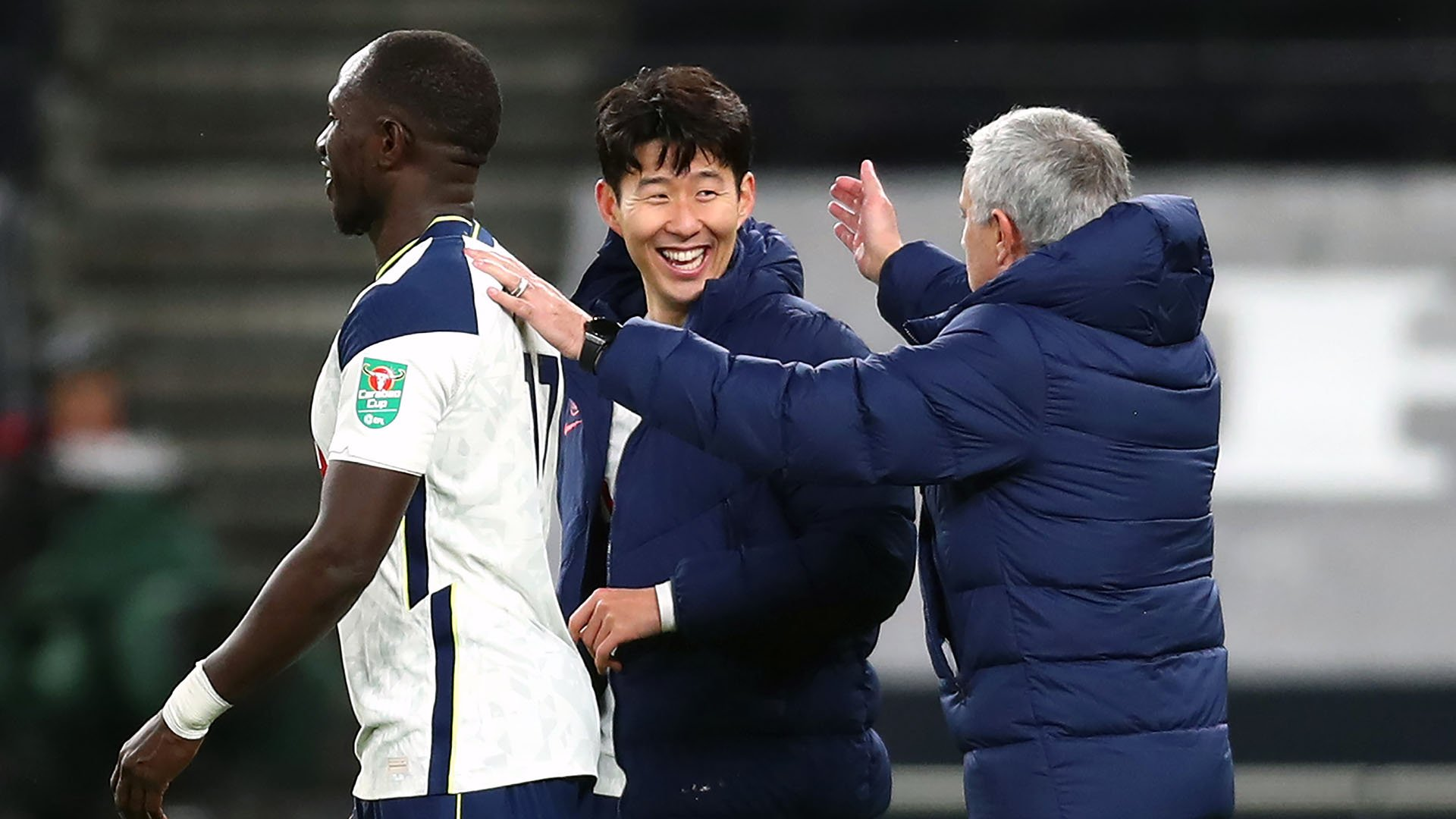 Sissoko, Son e Mourinho, do Tottenham (Clive Rose/Getty Images/OneFootball)