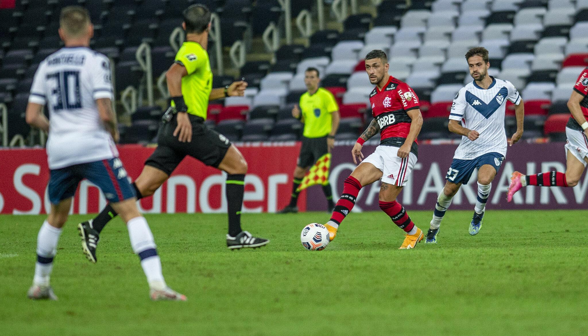 Análise: Flamengo não tem dedo do técnico. Quando tem, é o podre